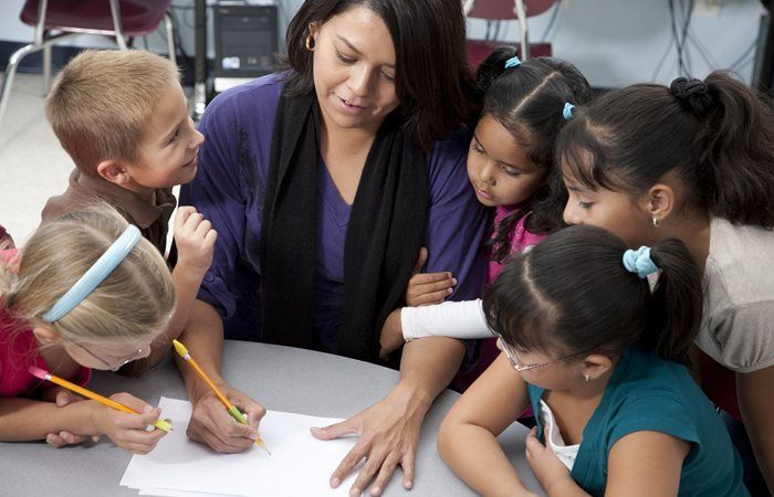 10 Behavior Management Strategies for Educational Assistants & Paraprofessionals